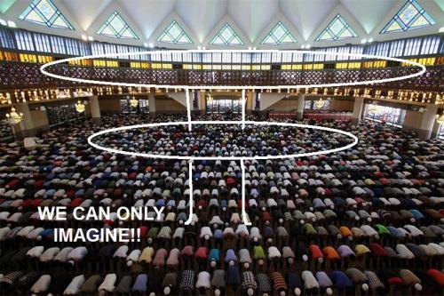 muslims_pray_0407_840_560_100